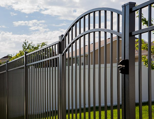 Give Your Savannah GA Property a Face Lift with Aluminum Fencing