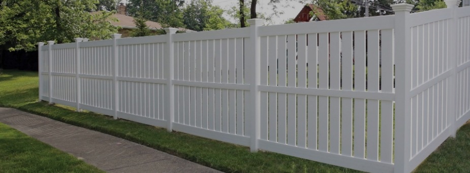 ActiveYards vinyl fence in Savannah Georgia
