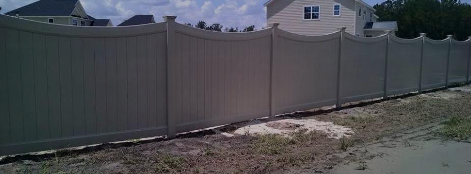 Vinyl privacy fence in Savannah Georgia